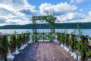 wedding arch of flowers
