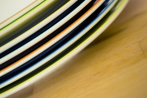 colored edge of a plate