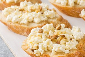 Snack bruschetta with cottage cheese
