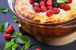 Curd cheese cake with raspberries, b