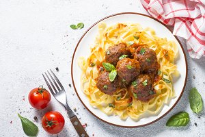 Meatballs in tomato sauce with pasta