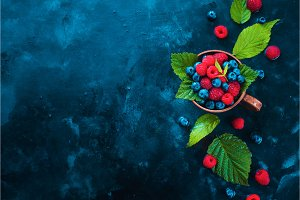 Summer berries header. Raspberry and