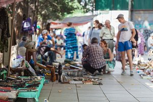 Market boot with objects beeing sell