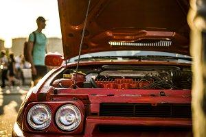 opened fast race muscle car bonet du