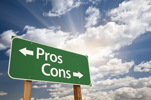 Pros and Cons Green Road Sign