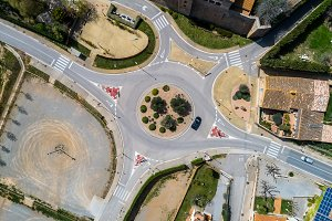 Zenital view of a roundabout