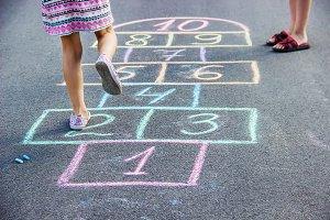 street children's games in classics.