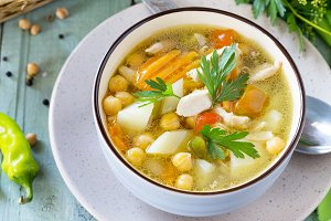 Healthy food: Chicken and Chickpea S