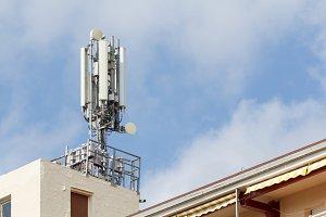 Mobile antennas