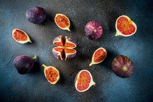 Raw fresh figs