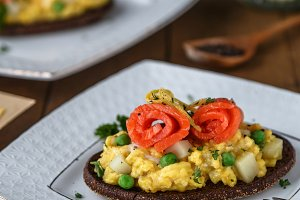 Salmon and egg on rye bread -