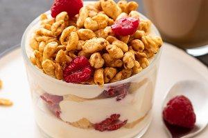 Fresh yoghurt with rasberries and