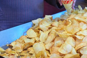 Frying chips with a lot of boiling o