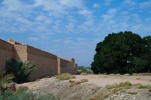 Wall of partially restored Babylon r