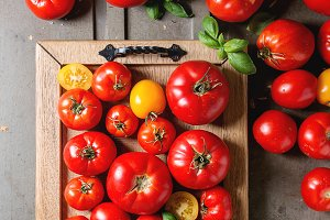 Ripe fresh tomatoes