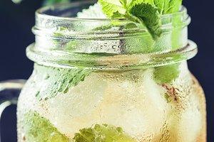 Refreshing ice black tea
