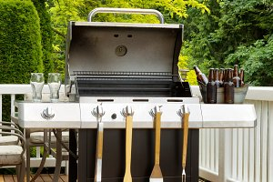 Clean BBQ cooker with Beer for party