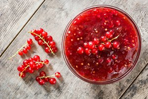 Cranberry sauce in bowl