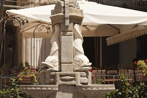 Stone fountain fragment in Tropea, I