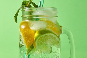 Refreshing carbonated homemade drink