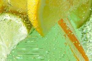 Close-up of sparkling fresh lemonade