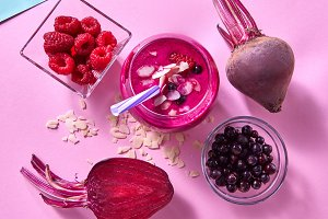 Healthy smoothies cooked from beets