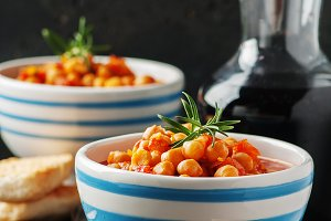 chick-pea with tomato, carrot