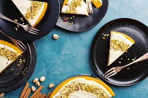 Pimpkin pie with cream and pistachio