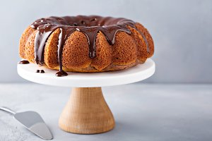 Vanilla bundt cake with chocolate gl