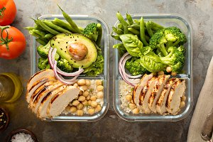 Grilled chicken meal prep containers