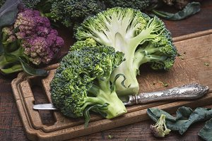 Broccoli and table knife.