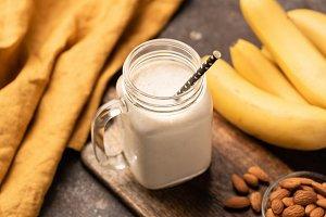Banana smoothie, protein milkshake