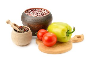 beans in pot and vegetables