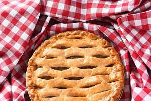 Apple Pie Checked Table Cloth