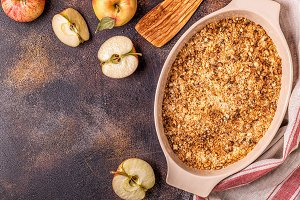 Apple cherry crisp crumble