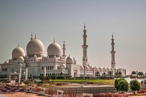 Exterior view to Sheikh Zayed Mosque