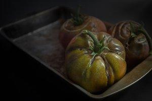 Heirloom tomatoes in baking pan