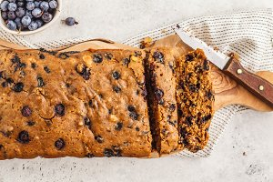 Vegan blueberry bread (cake).