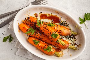 Asian baked carrots