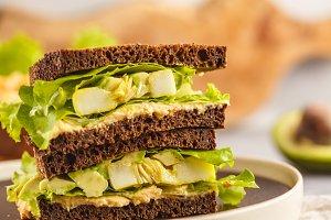 Vegan green sandwiches with hummus