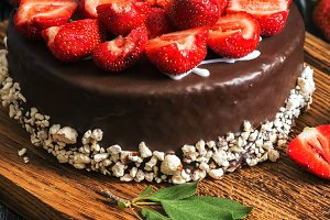 Chocolate cake with fresh strawberri