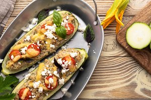 Stuffed zucchini with meat and