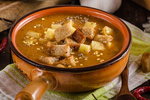 Goulash soup with croutons and potat