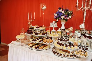 Different types of cakes and baking