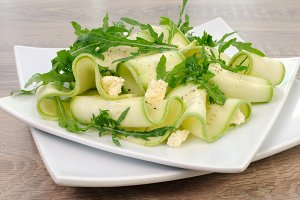 Zucchini salad with arugula