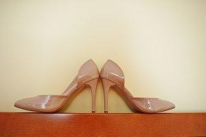Cream wedding shoes with high heels