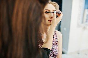 Make up artist makes morning make up