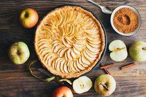 Freshly made apple pie tart on rusti