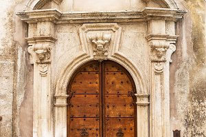 Door in Scanno (Italy)