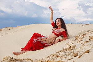 Oriental Beauty belly dancing